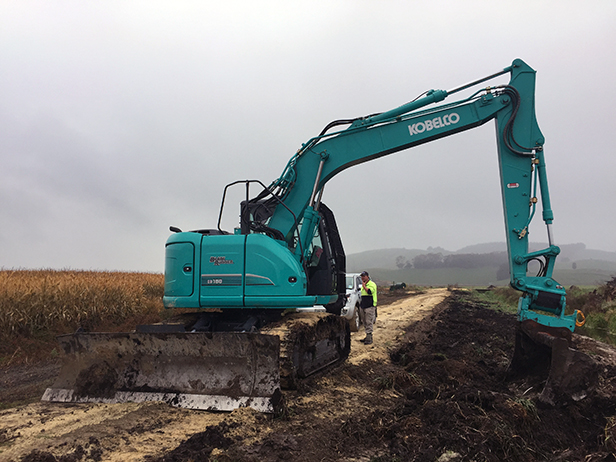 Excavators Earthmoving Equipment Kobelco Excavators