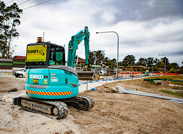 Kobelco Minis Make Mitchell's Earthmoving Easy