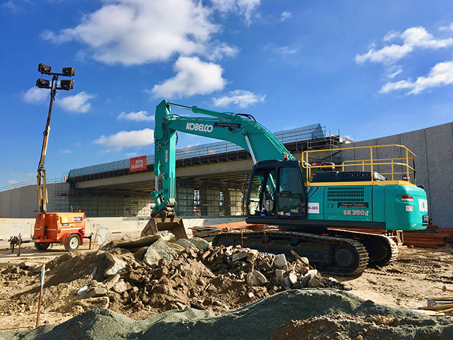 Pipeline Technics saves money with fuel efficient Kobelco excavator