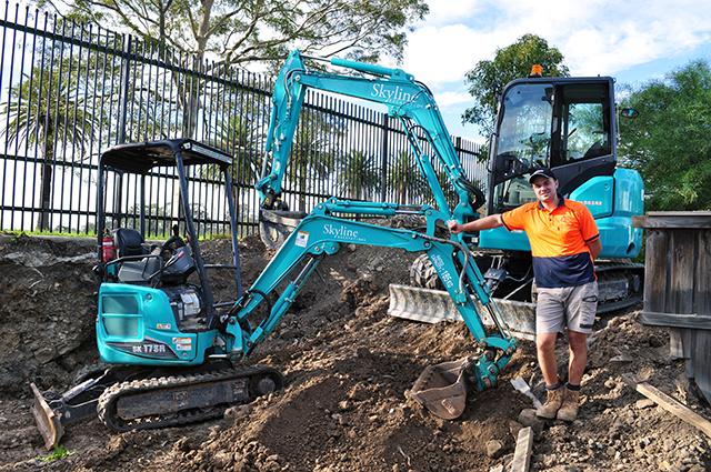 Kobelco SK17SR Starts Skyline Excavations